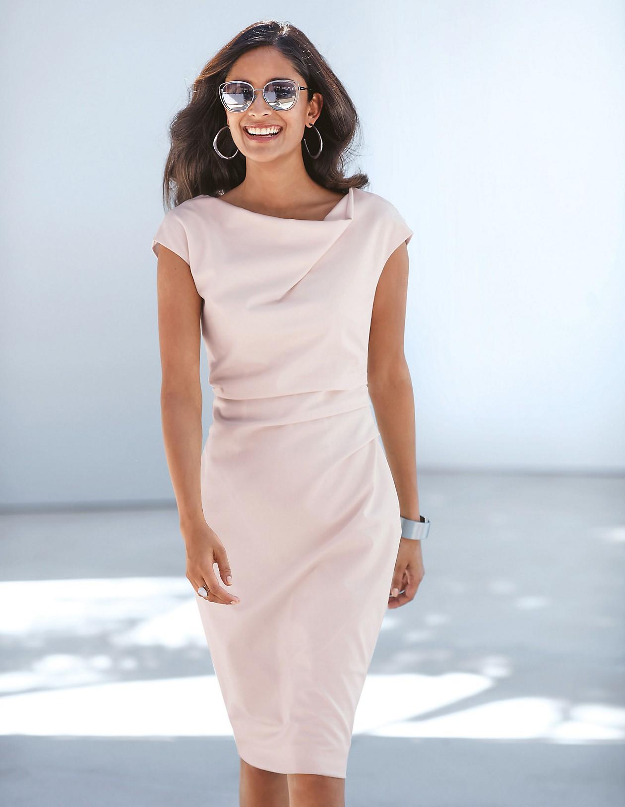 Ärmelloses Kleid mit Raffungen, perlmutt, rosa  MADELEINE Mode