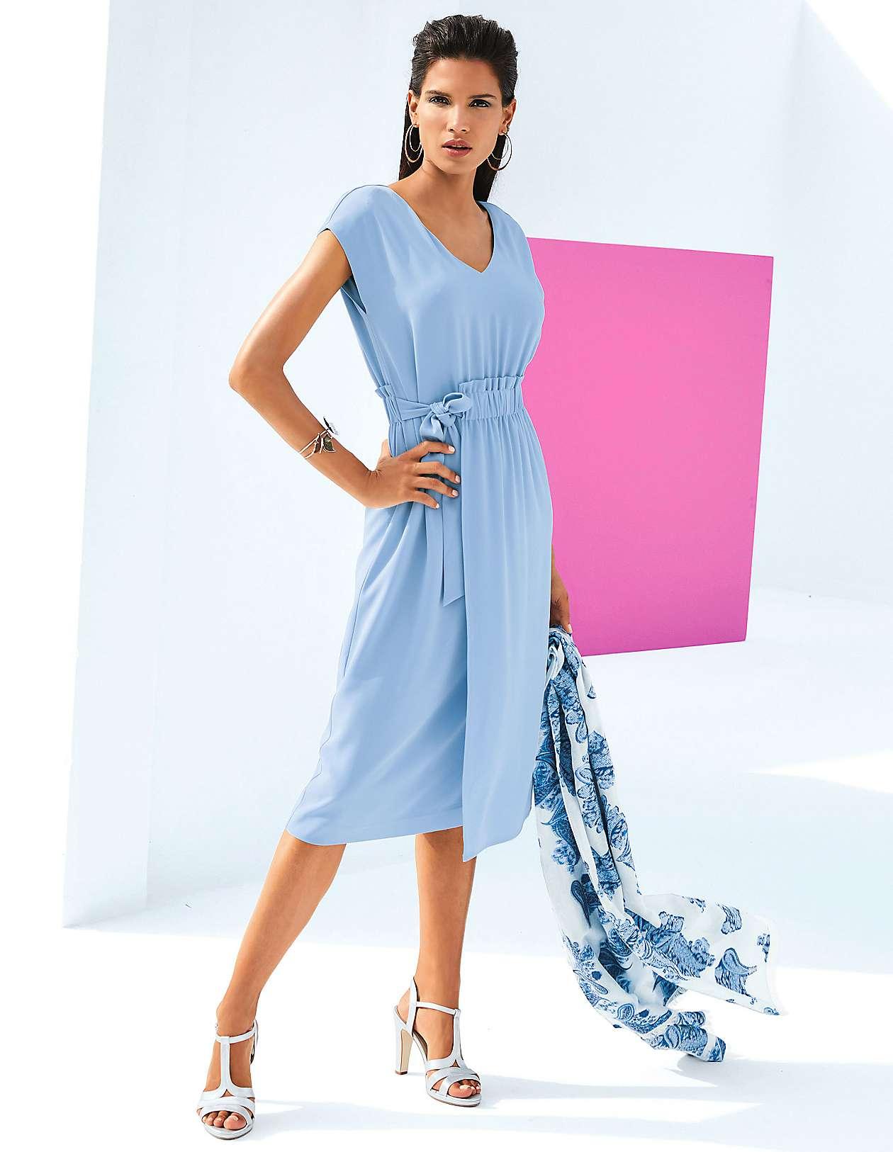 42e0dda0b768 Elegante Kleider für stilvolle Auftritte bestellen   MADELEINE Mode