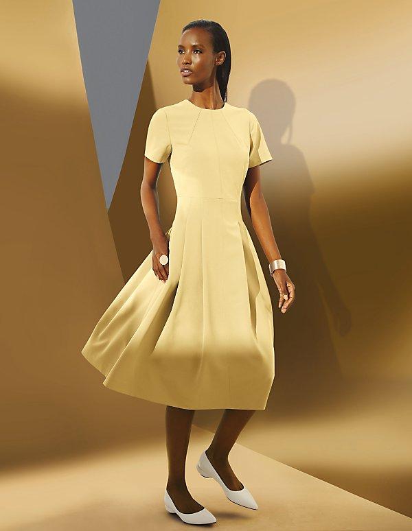 Kleider Fur Stilvolle Auftritte Bestellen Madeleine Mode Osterreich