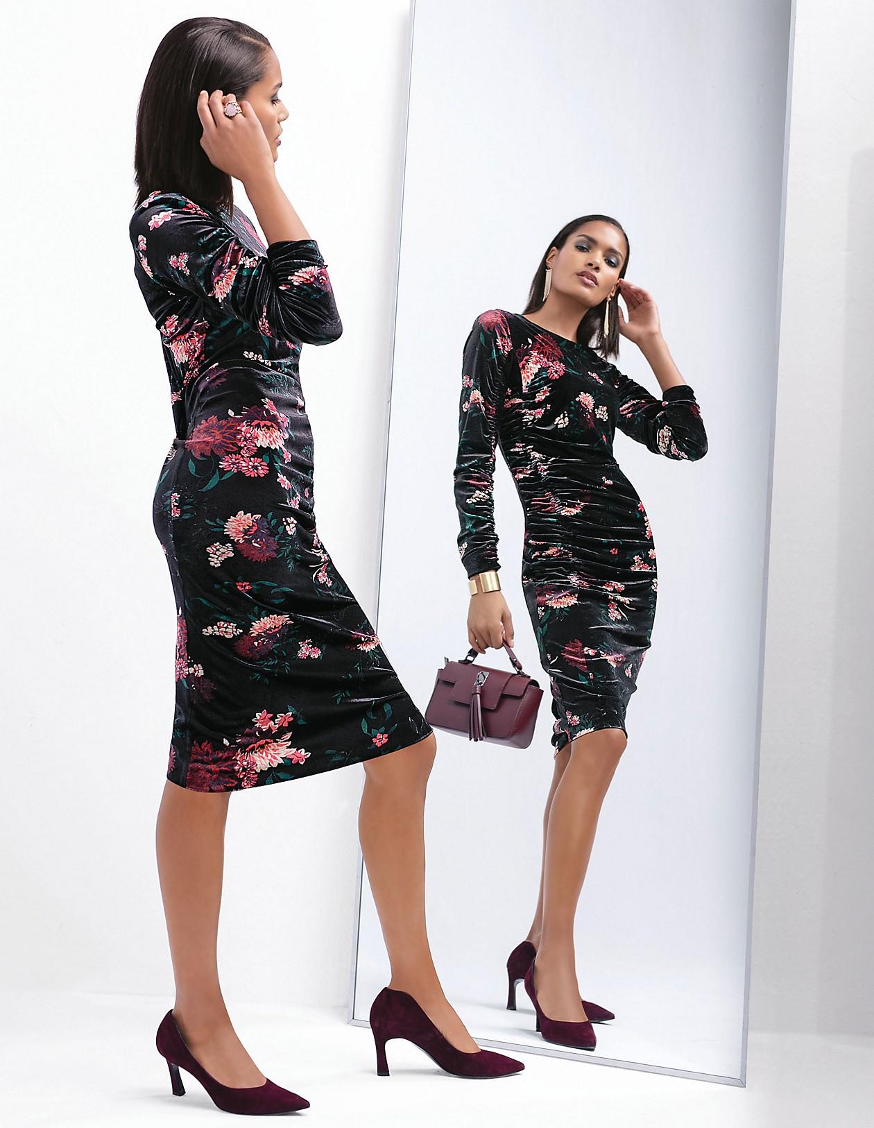 5b9442853967d3 Feminines Samtkleid mit Allover-Print, schwarz/multicolor, rosa, schwarz |  MADELEINE Mode